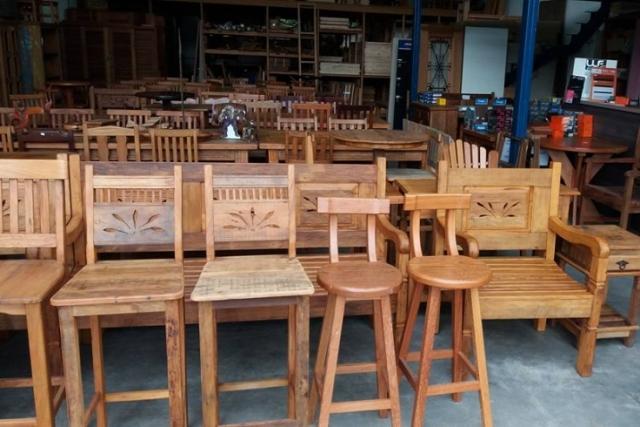 PRESOT Acabamentos e móveis de madeira  Nós trabalhamos para valorizar o ambiente da sua casa ou empresa! Rústico ou elegante, os acabamentos em madeira da PRESOT têm um resultado inigualável!  SOBRE NÓS Somos uma empresa especializada na produção…